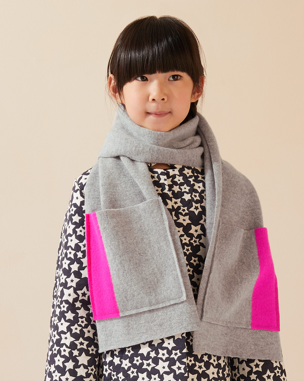 Project Fashion pocket scarf girl